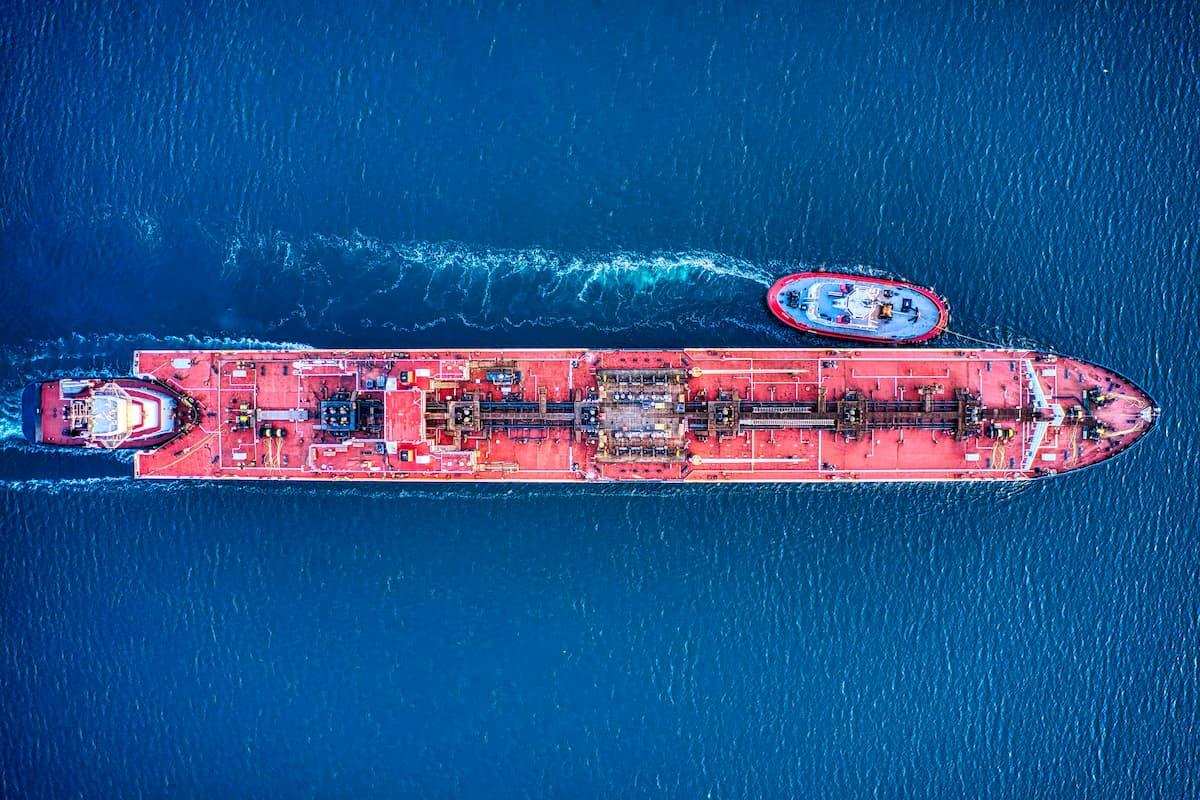 You are currently viewing Spedycja morska – co warto o niej wiedzieć? Dlaczego wybrać transport morski?